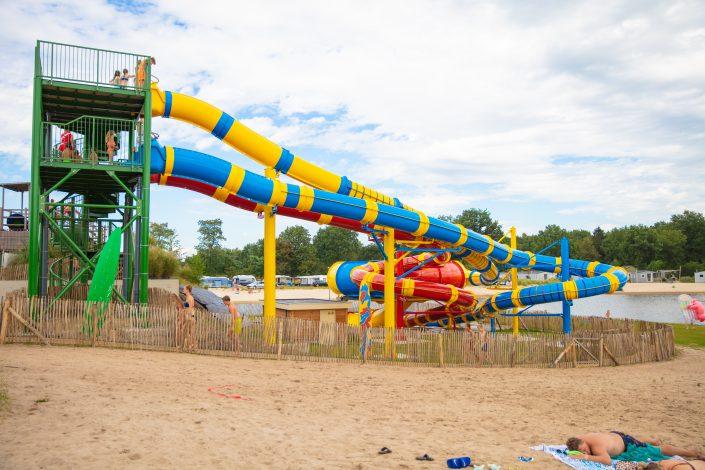 Vakantiepark met glijbanen