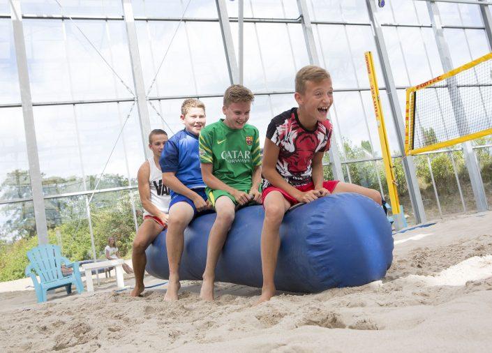 Actieve vakantie met kinderen op 5 sterren tienercamping